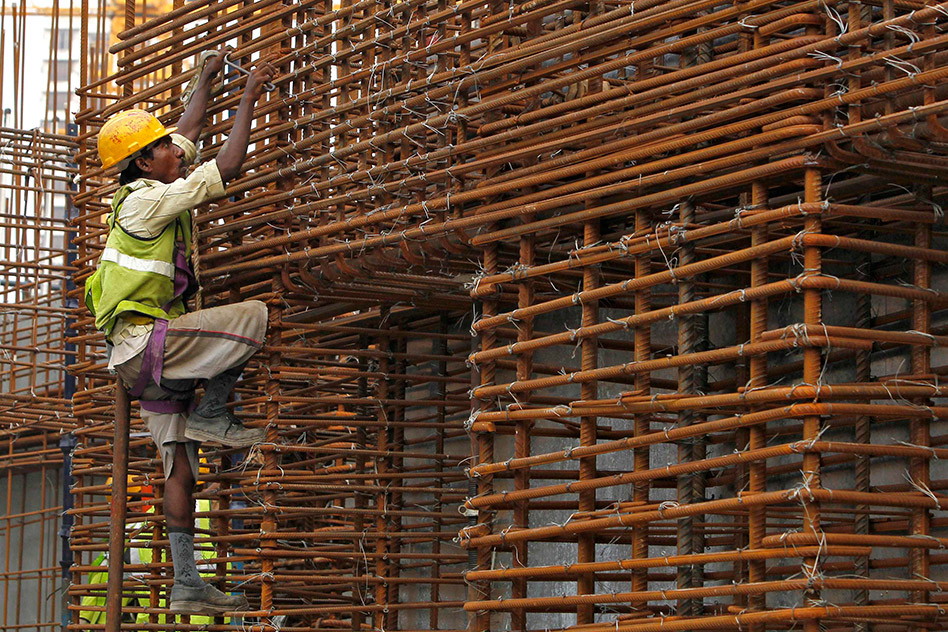 India Q1 economic growth slips to 5.7 percent