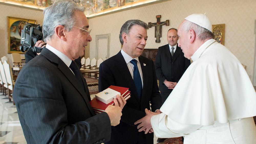 Pope Francis meets Colombia's Juan Manuel Santos