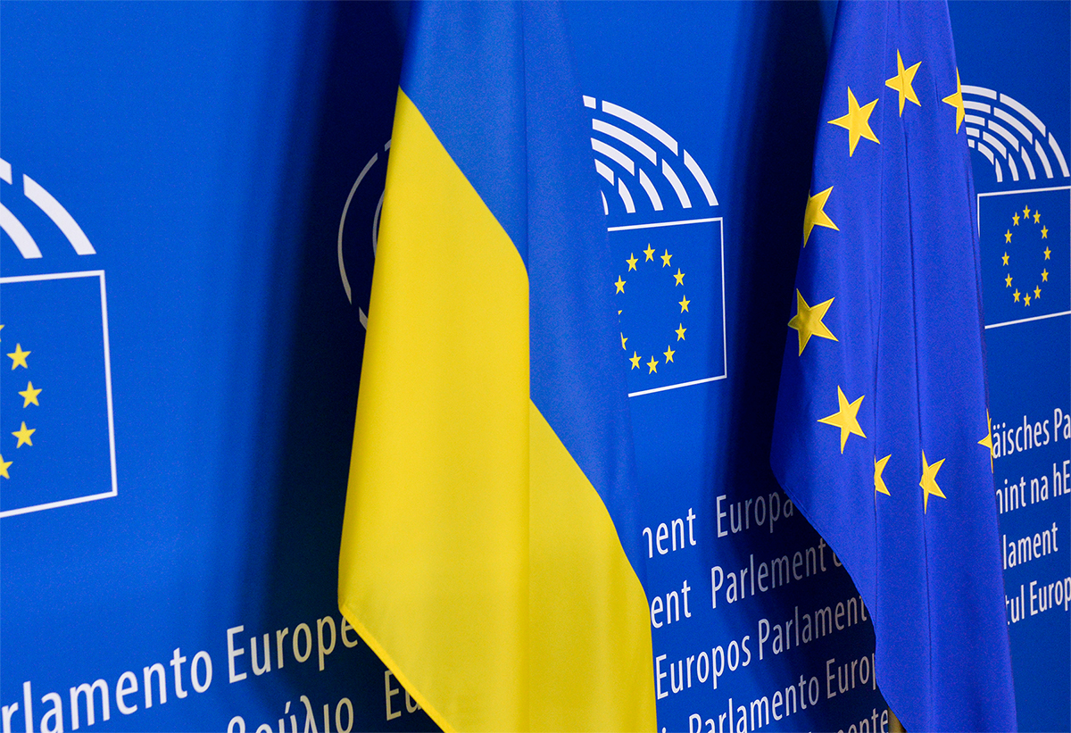Ukrainians can travel visa free to the EU today