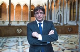 Catalan leader faces deadline to renounce independence or face Madrid's wrath