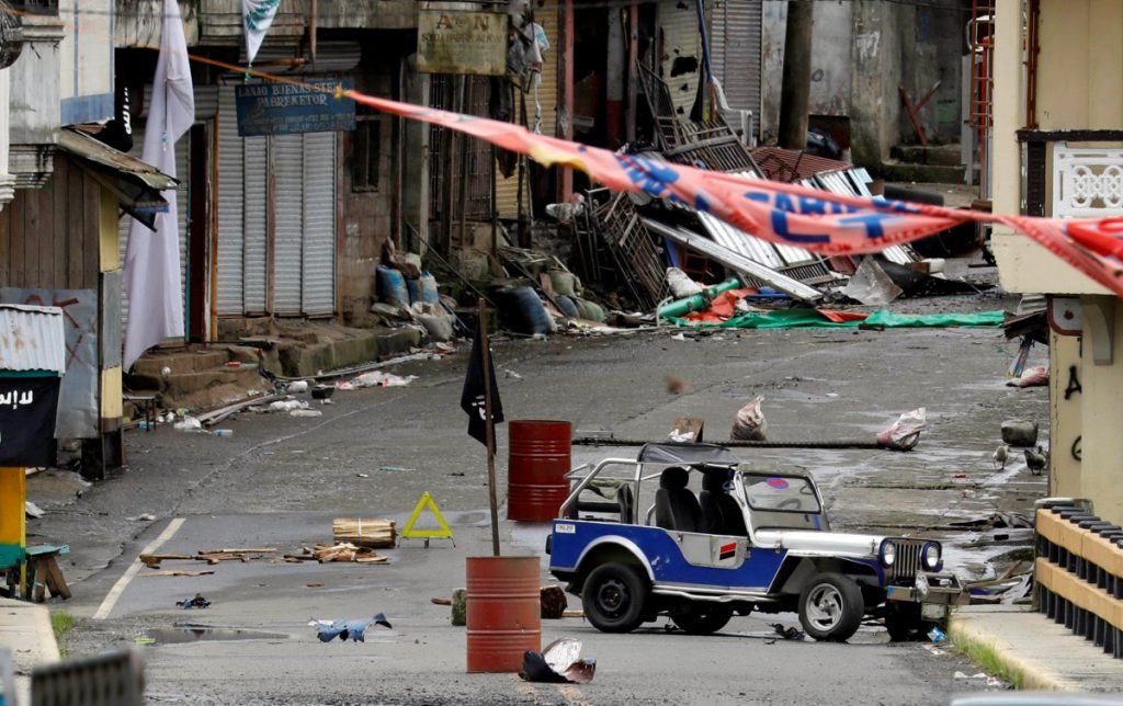A view of the Maute group stronghold with an ISIS flag in Marawi City in southern Philippines/Mindanao, May 29, 2017