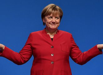 Angela Merkel's conservatives clinch grand coalition with Social Democrats