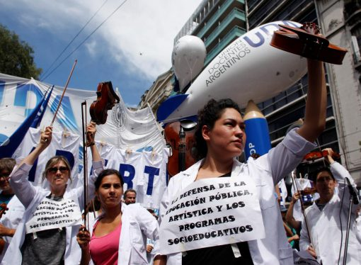 Labour unions begin national strikes in Argentina to protest Macri government austerity
