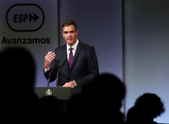 Spanish PM marks historic visit to Cuba with renewed trade and investment effort