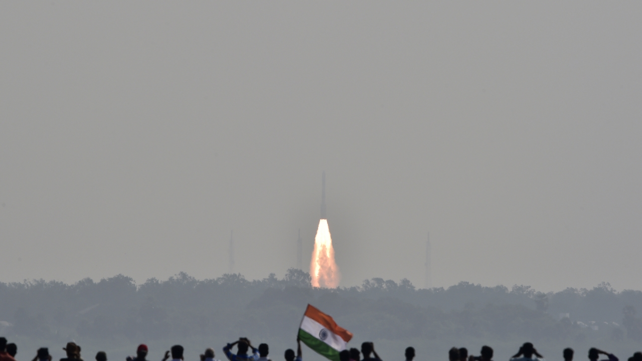 548676 reuters t070717z722763040rc1d687bda80rtrmadp3space launch satellites india
